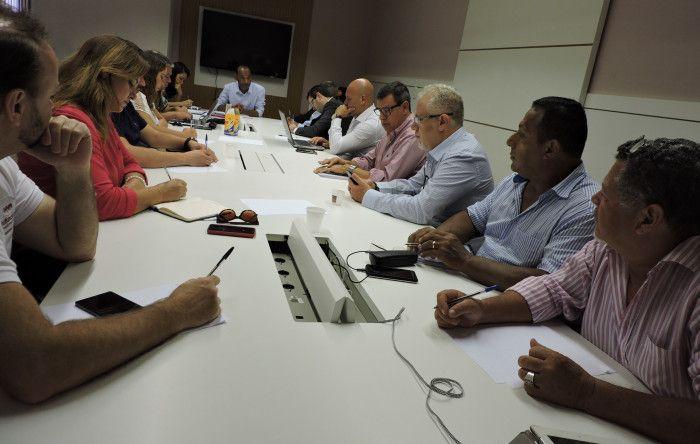 Trabalhadores cobram soluções do Itaú