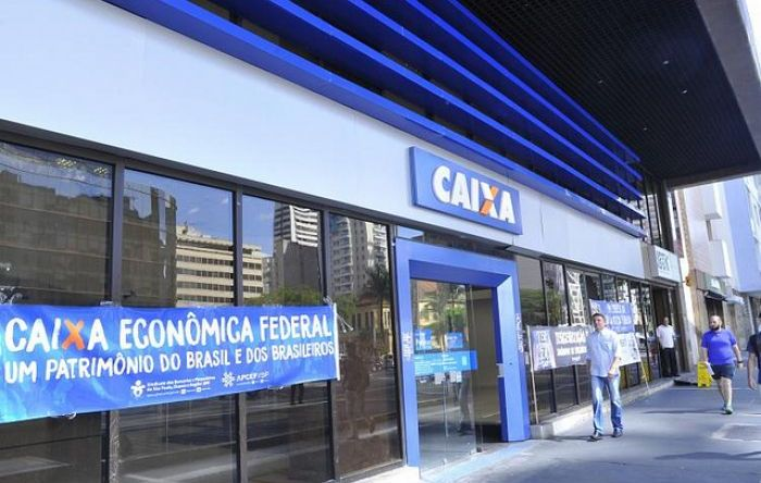 Trabalhadores da Caixa repudiam falas de Bolsonaro e Paulo Guedes