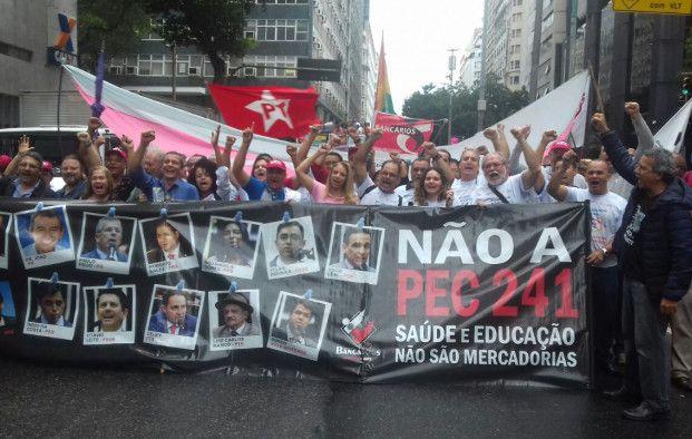 Trabalhadores defendem a soberania em ato no Rio