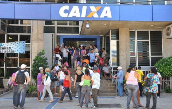 Três de cinco brasileiros pagam conta em agência, diz pesquisa
