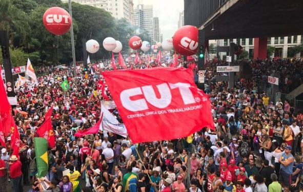 Vitória da CUT e demais centrais: pressão faz presidente do TST recuar e suspender sessão de revisão de súmulas