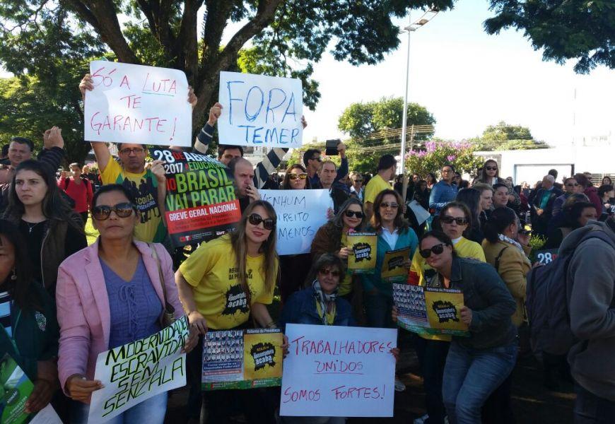 Foto Greve e manifestações no Pactu